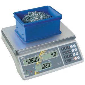 Cân điện tử 15kg đếm sản phẩm, bước nhảy 100g, độ nhạy 0.5g mỗi thành phần.