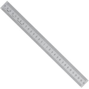 Thước inox có điểm Zero nằm chỉnh giữa thước. Vạch chia trên dưới đều là mm.