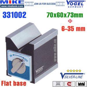 Khối V-Block đế từ 70x60x73mm. Đường kính phôi từ 6 đến 35mm.Làm từ thép đặc biệt,Khoá - Mở từ tính bằng núm xoay.Mặt nghiêng chữ V tạo thành góc 90o.