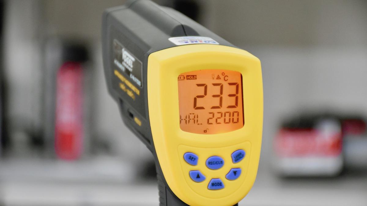 máy đo nhiệt độ từ xa 200 - 2200 độ C